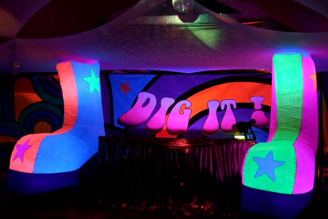 1970s dance club party supplies 70s disco decorations for 70s theme decoration ideas